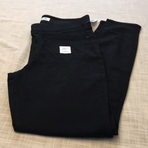 BNWT mid rise jeggings